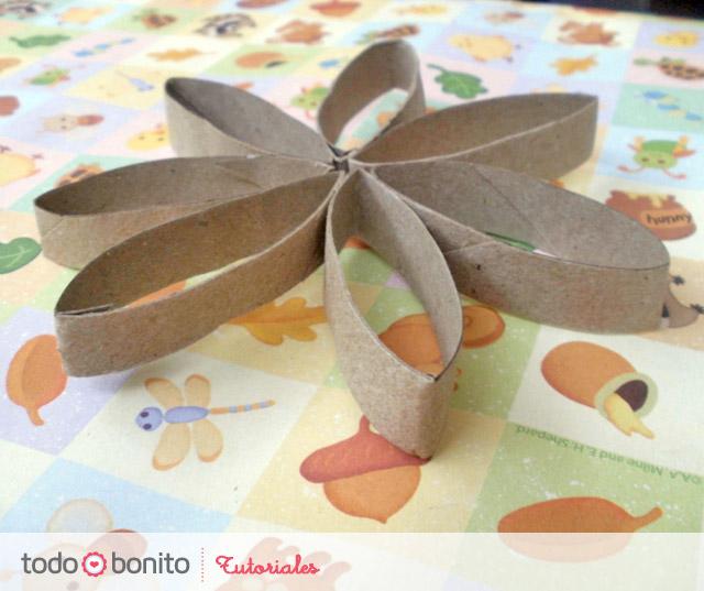 Tutorial: flores con tubos de papel