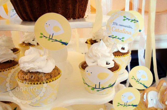 Cupcakes con wrappers y toppers 1ra Comunión