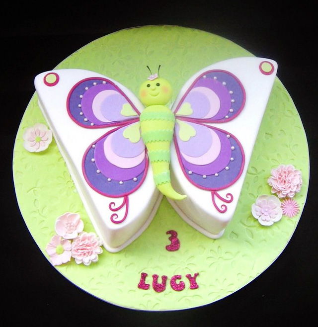 Cómo hacer un pastel con forma de mariposa