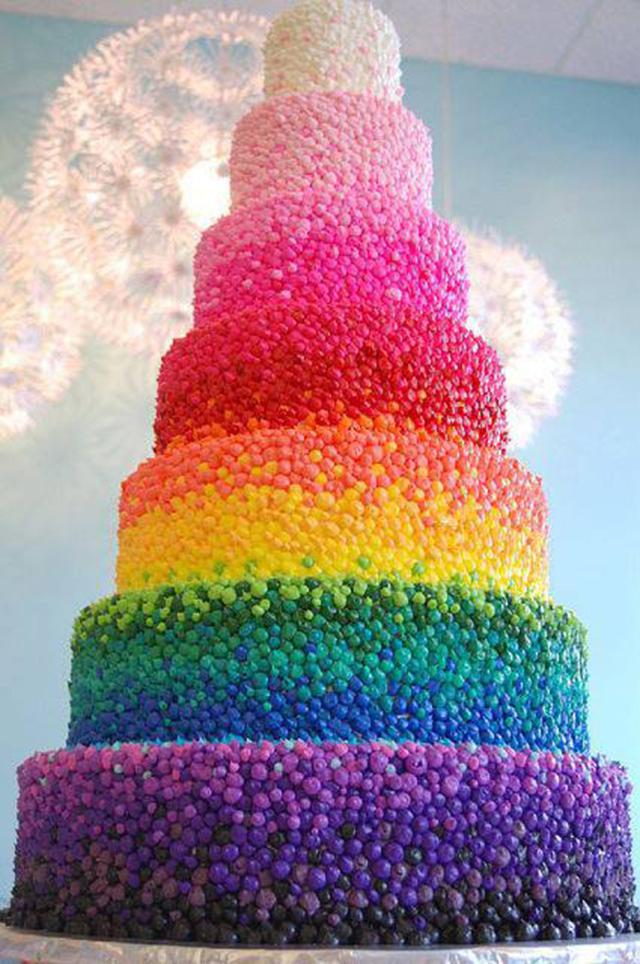 Torta con confites de colores