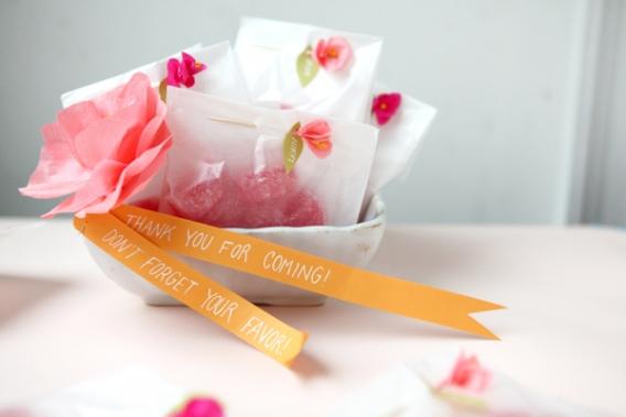 Bolsitas decoradas con mini flores