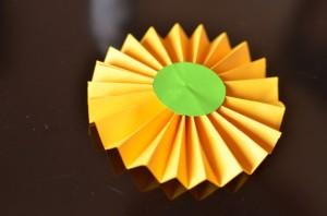 Como hacer rosetas de papel