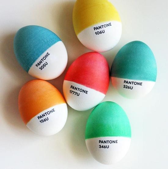 huevos decorados pantone