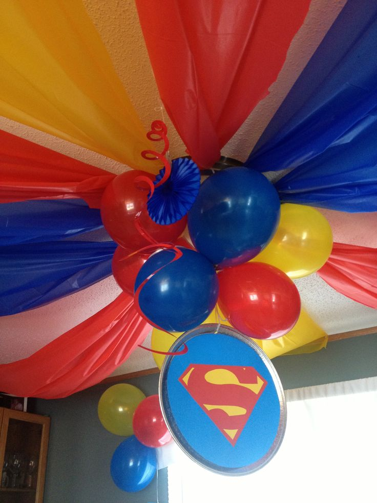 Decoraci n super h roes for Baby shower ceiling decoration ideas