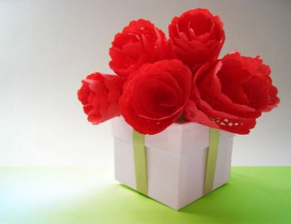 Flores con blondas de papel