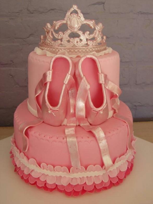 Corona y zapatillas de baile