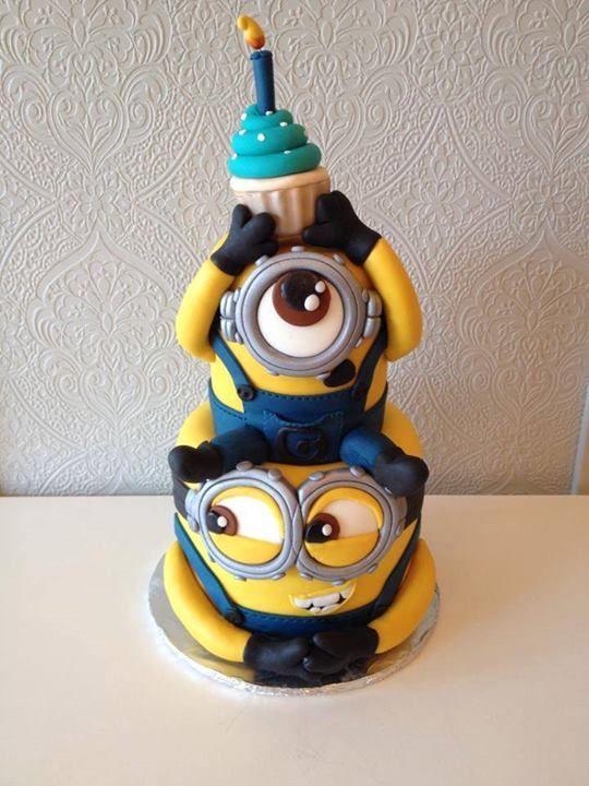 Torta de cumpleaños de Minions