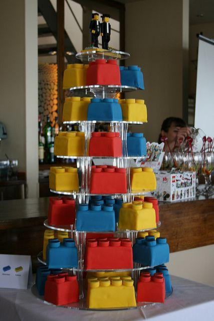Torre de Legos cakes