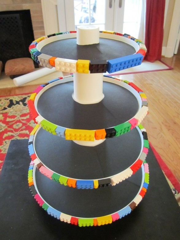 Torre de platos para mesa dulce