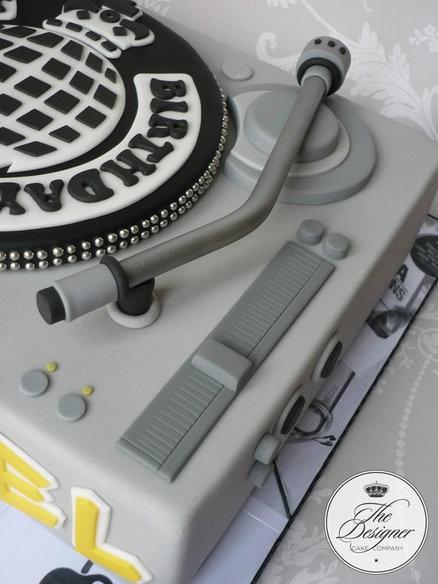 Torta DJ 8