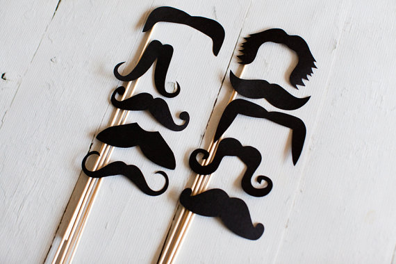 bigotes varios