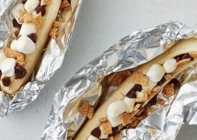 Bananas con chocolate y marshmallows