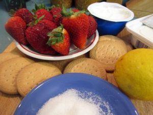 Postre de queso con frutillas