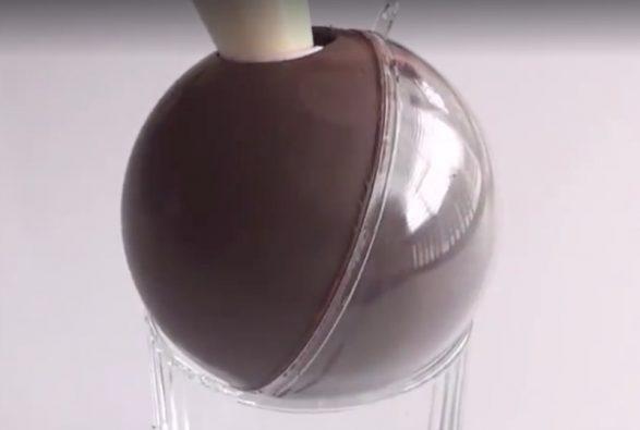 Bola de chocolate para Navidad