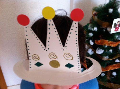Sombreros y coronas para fiestas