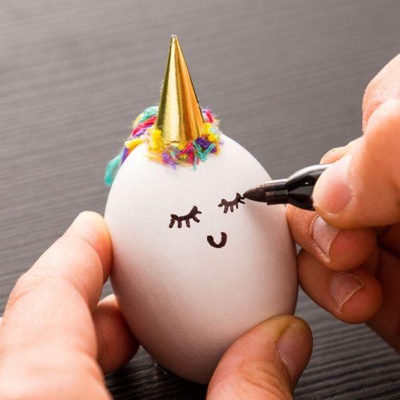 Huevos decorados para tu cesta de Pascua