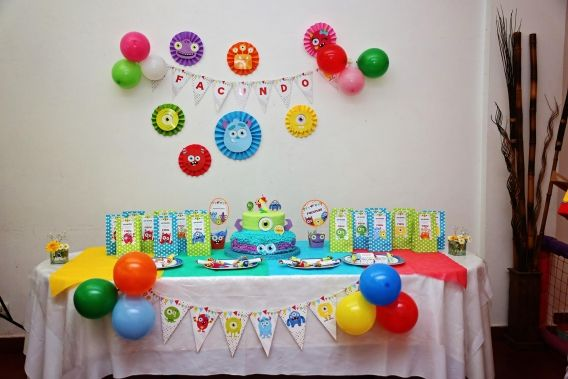 Monstruitos divertidos cumpleaños