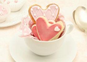 Deliciosas galletas en forma de corazón