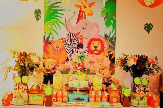 Animalitos de la selva en naranja y amarillo para Victoria