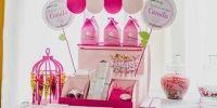 Muchos pajaritos rosas en el Bauti-Cumple de Camila