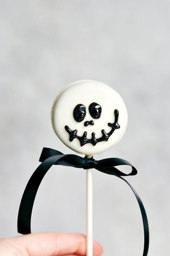 Divertidas y monstruosas Oreo pops para Halloween