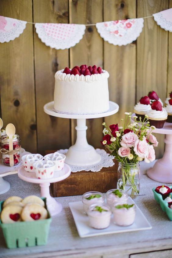 Modelos de tortas con la temática frutillas