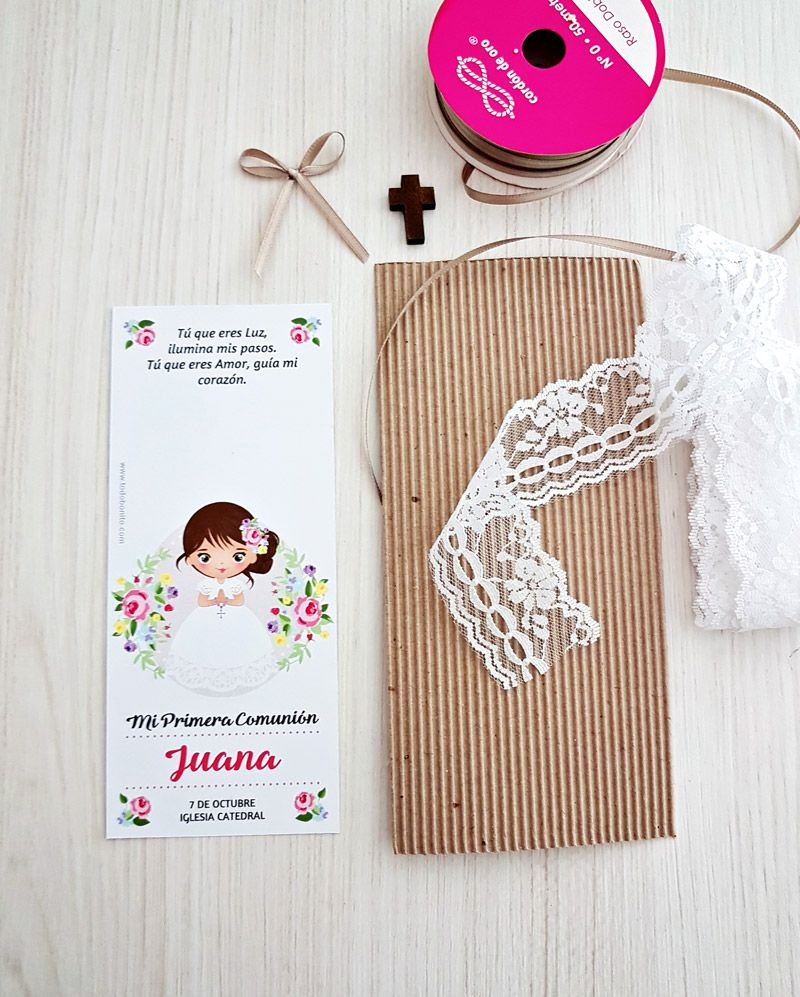 Cómo decorar estampitas de Primera Comunión de niñas estilo rústico