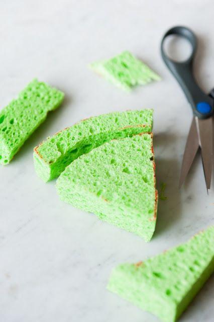 Recortar la esponja en forma de sandía