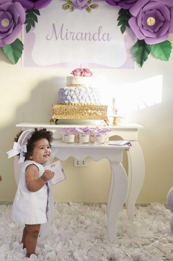 Torta y homenajeada en shabby chic lila