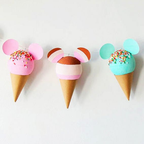 Guirnalda de helados de cucurucho de Mickey
