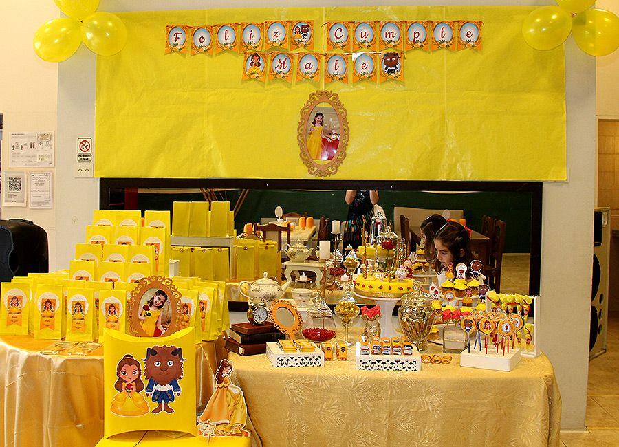 Mesa dulce decorada con Bella y Bestia de Todo Bonito