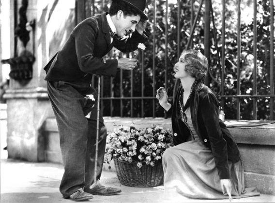Las más lindas frases de Charles Chaplin para estar siempre feliz