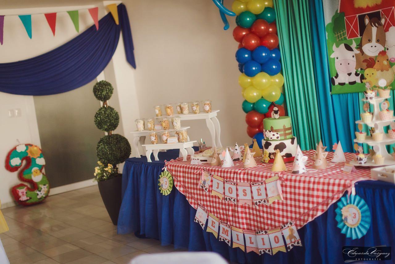 Hermosa mesa dulce con kit imprimible granja todo bonito