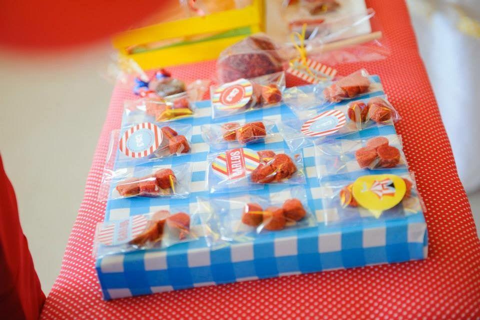 Detalles mesa dulce con Kit de golosinas imprimibles Circo Todo Bonito