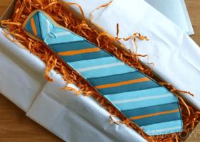 Originales galletas con forma de corbata para el día del padre