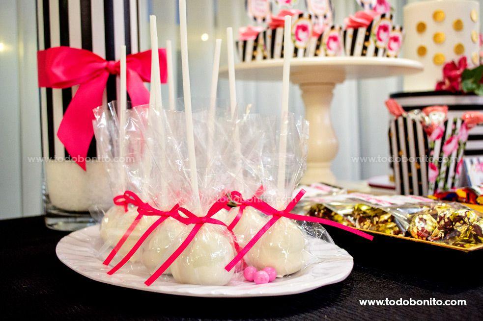 Mesa dulce cakepops 40 años por Todo Bonito