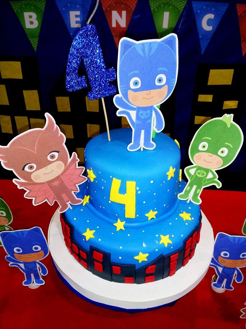 Los 4 años de Benicio junto a sus tres super héroes favoritos: Héroes en Pijamas
