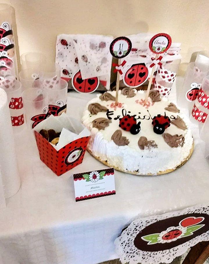 Decoración mesa dulce con imprimibles de vaquitas de san Antonio