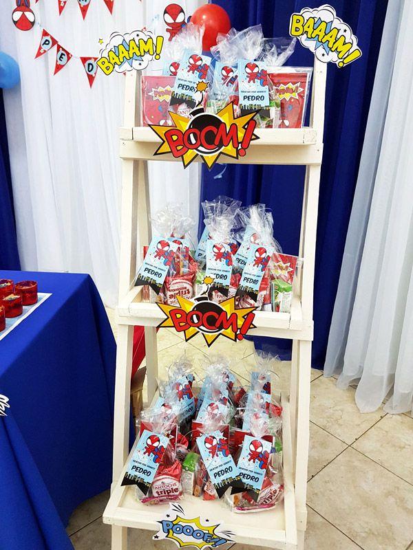 Souvenirs con cierra bolsas imprimibles del Hombre Araña por Todo Bonito