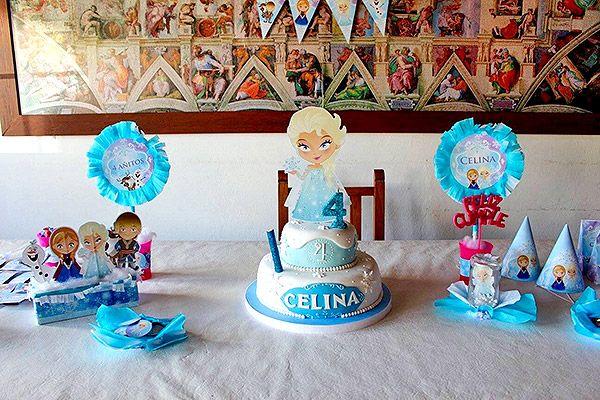 Torta y decoraciones con imprimibles frozen de Todo Bonito