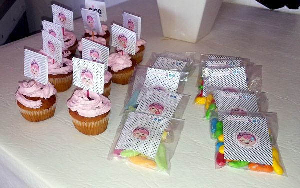 Golosinas y cupcakes con decoracíon de Nina by Todo Bonito