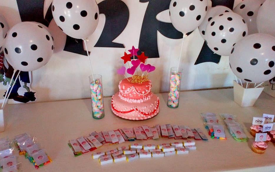 Torta y Mesa dulce con decoraciones imprimibles gratuitas de Todo Bonito