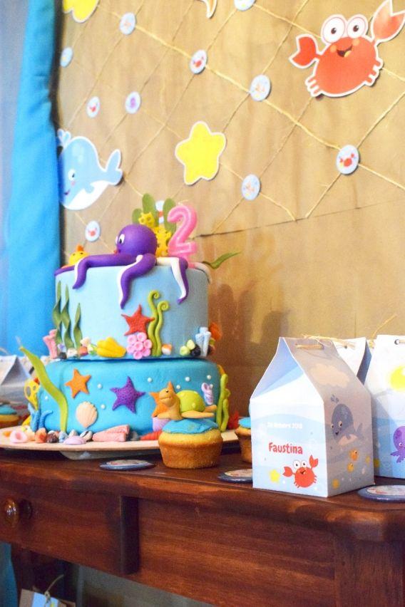 Torta y decoraciones del kit imprimible animalitos de mar de Todo Bonito