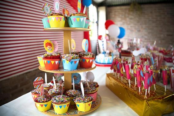 Cupcakes de circo niño y niña por Todo Bonito