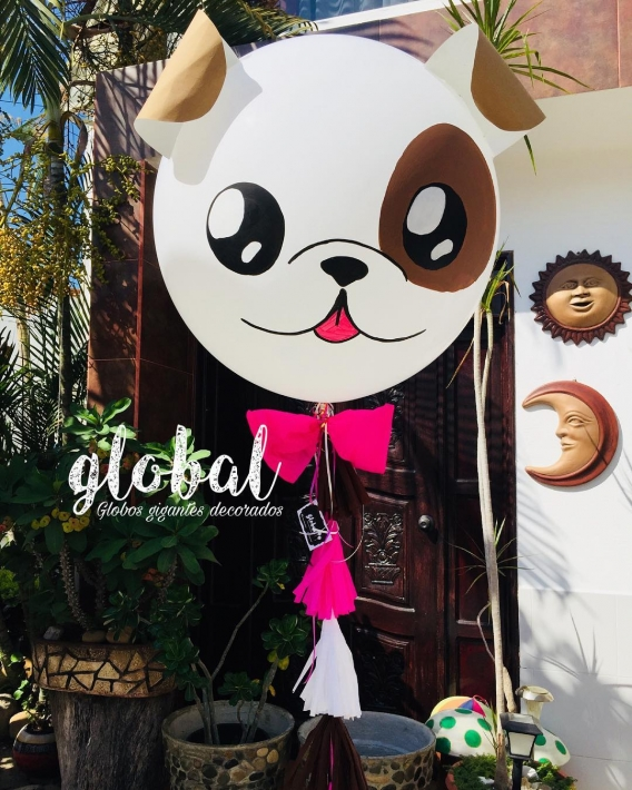 Globos gigantes decorados de perritos