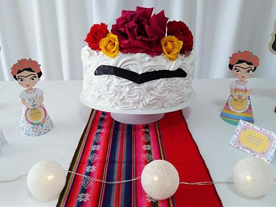 Torta de Frida Kahlo por Todo Bonito
