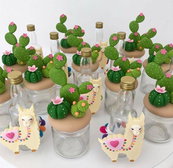 Souvenirs de llamas y cactus