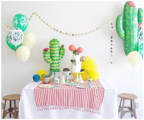 Mesa decorada para fiesta de Cactus