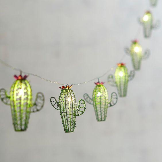 Guirnalda con luces de cactus