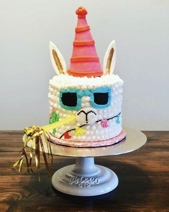 Torta en forma de Llama